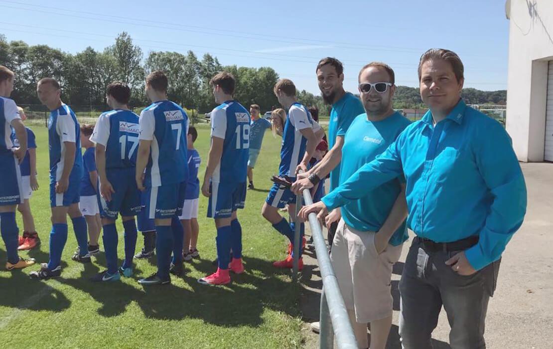 Agenturgeschichten: Match-Patronanz für das 1. Klasse West Meisterschaftsspiel