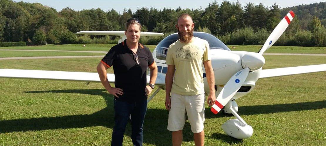Agenturgeschichten: Jakob löst seinen gewonnen Rundflug ein